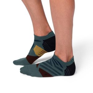 Fitness Mania - On Mens Running Low Socks - Shadow/Mulberry