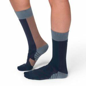 Fitness Mania - On Womens Running High Socks - Navy/Grape