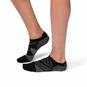 Fitness Mania - On Womens Running Low Socks - Black/Shadow
